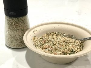 organic seasoning blend, paleo seasoning blend, paleo chicken seasoning, paleo vegetable seasoning, organic paleo seasining, organic garlic seasoning, garlic salt